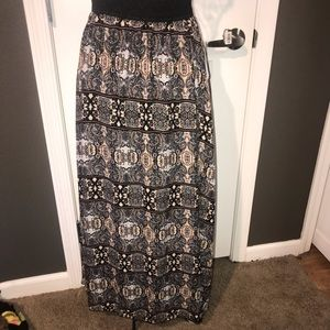 Lularoe Lucy Skirt - Black And White with Gold NWT